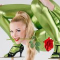 Most-flowers-picked-up-with-the-mouth-in-a-contortion-backbend_tcm25-424765